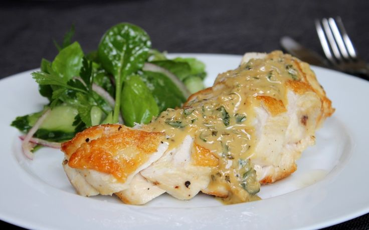 Roasted chicken breast with creamy garlic & herb sauce
