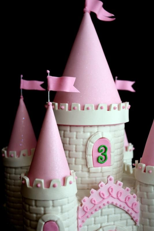 Princess Castle Cake  There you go Jen for Raelyn