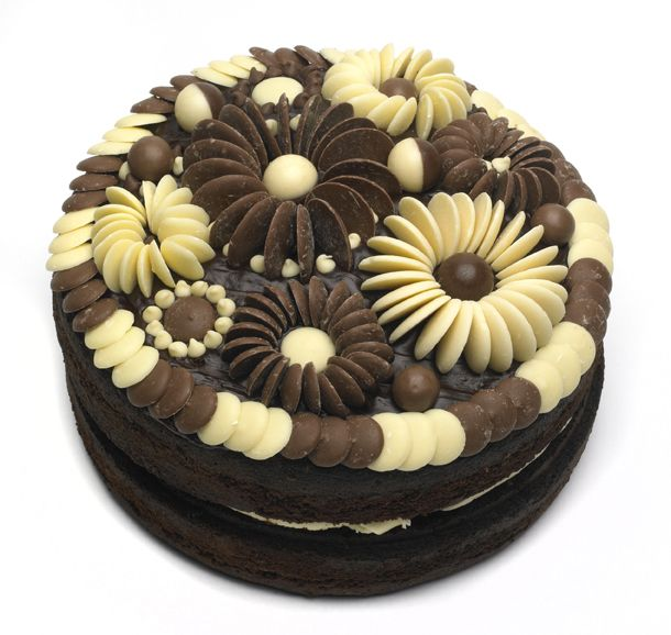 Cake Decorating With Chocolate Buttons : Best 25+ Chocolate buttons ideas on Pinterest Button ...