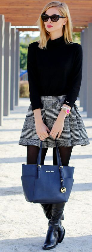 Glen Plaid, Pleated Mini Skirt / fall fashion Inspiration. Bota saia meia calça frio inverno