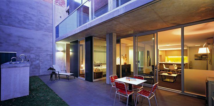 Roi Apartments Fitzroy - Bird de la Coeur Architects Photo Tony Miller