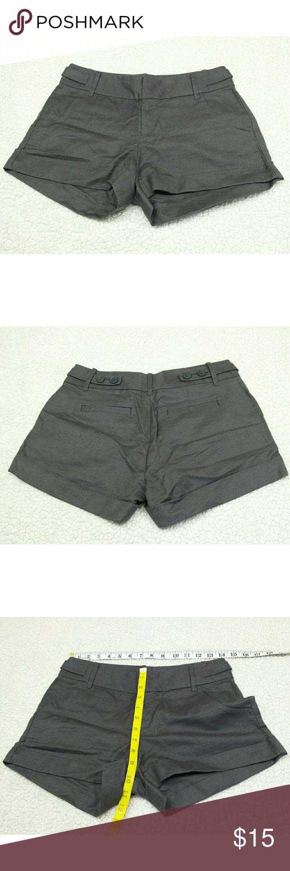 Banana Republic Gray Shorts size 2 Banana Republic Gray Shorts size 2 Banana Republic Shorts