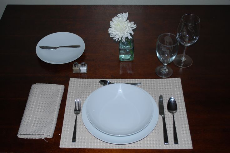 1000 images about kitchen dining essentials on Simple table setting for lunch