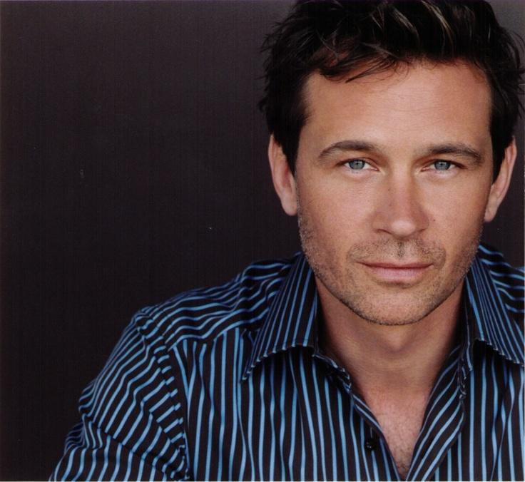 Connor Trineer (Stargate: Atlantis, Star Trek: Enterprise) http://www.imdb.com/name/nm0872997/