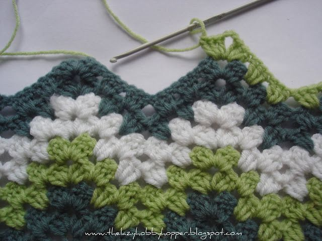 How to crochet a granny ripple tutorial from The Lazy Hobbyhopper blog