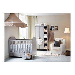 IKEA - GONATT, Sprinkelseng, , Sprinkelsengens bunn kan monteres i to ulike høyder.Den ene siden på sprinkelsengen kan tas av når barnet er stort nok til å klatre inn/ut av sengen.De slitesterke materialene i sprinkelsengen er testet for å sikre at de gir babyen den støtten den trenger – for å gi trygg og komfortabelt søvn.Sprinkelsengens bunn har god luftsirkulasjon og gir barnet et behagelig sovemiljø.