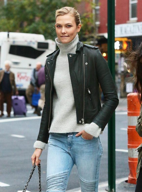 カーリー・クロス、タートルネックセーターにレザージャケットがオシャレ!#私服   海外セレブ&セレブキッズの最新画像・私服ファッション・ゴシップ   Jinclude