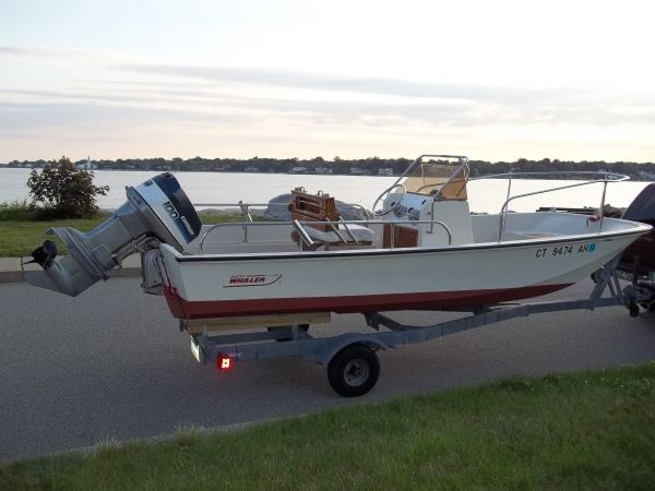17 39 1975 boston whaler montauk center console hull is in for Montauk fishing party boats