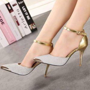 Mẫu giày cao gót mũi nhọn này dành cho các nàng công sở là thich hợp nhất.