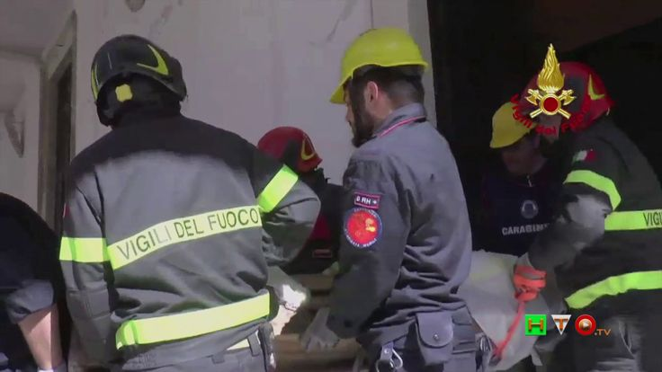 Vigili del Fuoco - Camerino - Recupero opere d'arte dal Duomo - www.HTO.tv