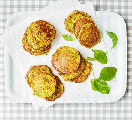 These healthy sweetcorn and spinach fritters are packed with vitamin C from the …