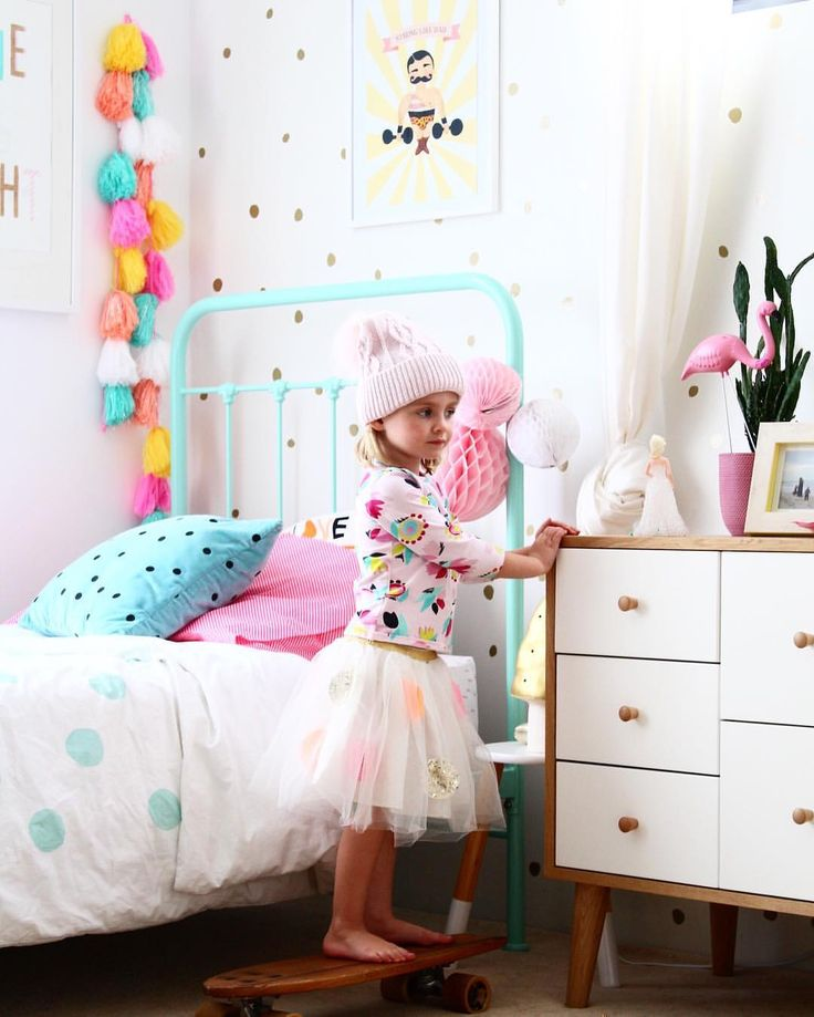 Toddler girl bedrooms with a touch of vintage   cute girls and kids room ideas