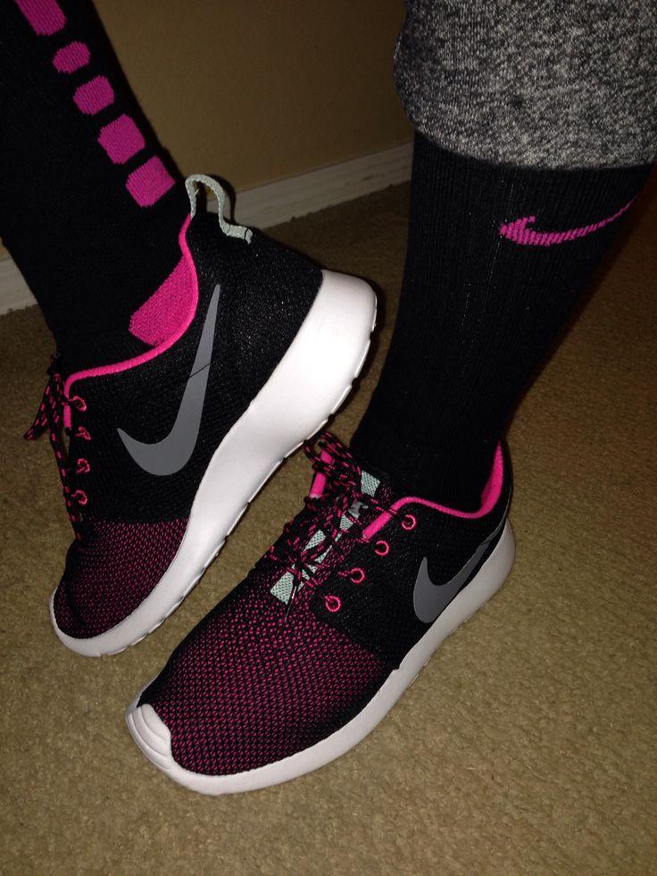 Nike Black and Fushia Womens Roshe Runs | Girls Got Shoe Game Too!!! | Pinterest | Roshe