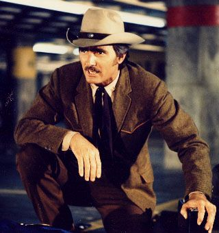 Dennis Weaver, Mc Cloud the New Mexico sheriff working in New York City.