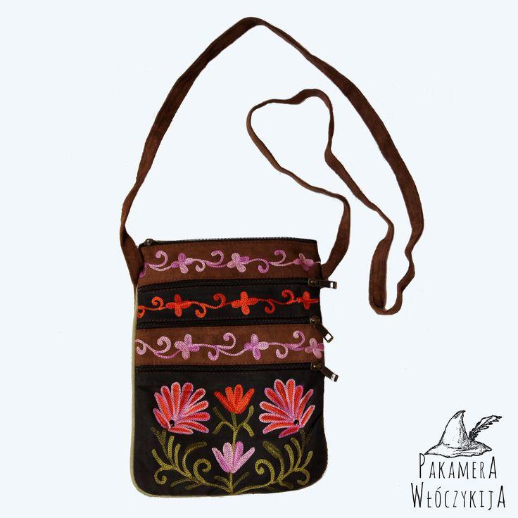 Urocza skórzana torebka w kwiaty