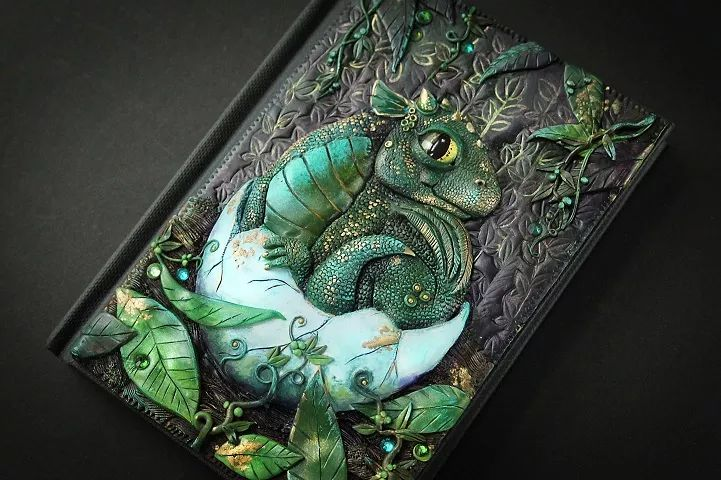 Artist Quits Job to Craft Beautiful Handmade Fairy Tale Book Covers - Gipsy.Ninja