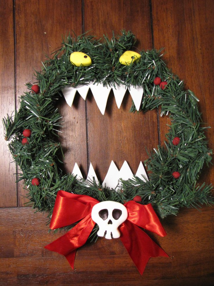 haley and i are so making one for our door this year forget christmas im changing the colors and doing this for halloween - Halloween Christmas Decorations