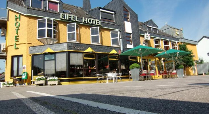 Design Hotel Eifel Euskirchen Located at the entrance to the village of Euskirchen, Design Hotel Eifel offers accommodation with a sauna and fitness centre. Guests can enjoy a drink at the bar. Free private parking is available on site.  The rooms are fitted with a TV.