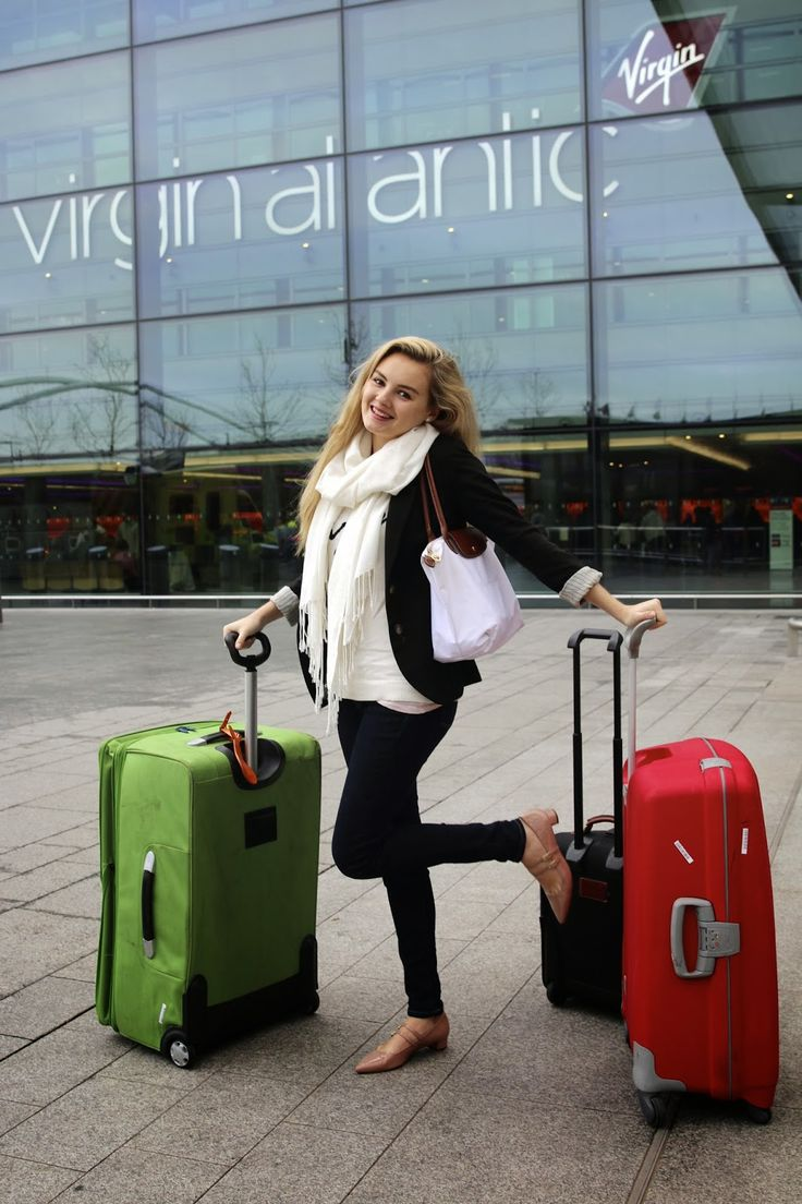 Niomi Smart, cute travel or winter/autumn outfit.