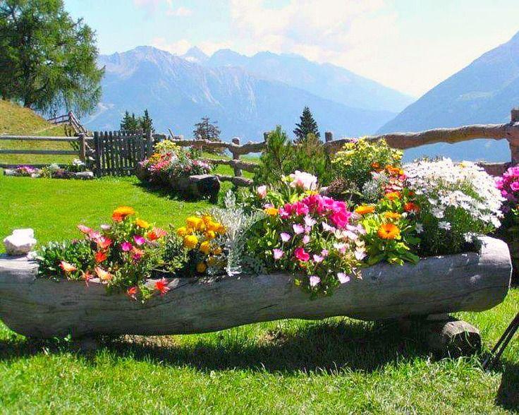 Σπίτι και κήπος διακόσμηση: Αίθριο με Στυλ: Ασυνήθιστες γλάστρες φτιαγμένες από μοναδικά υλικά