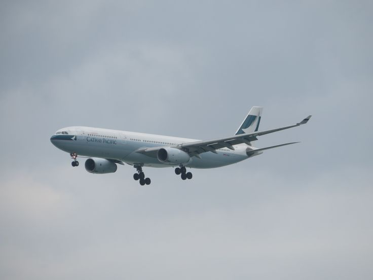 https://flic.kr/p/SJP4RV | B-LBK | type: passenger jet airlines: cathay pacific manufacturer: airbus aircraft family: Airbus A330 A330-300 A330-343 333 33P C     Y   Total 24  293   317 2x rr trent 772b-60 flight: CX415 From seoul(ICN)