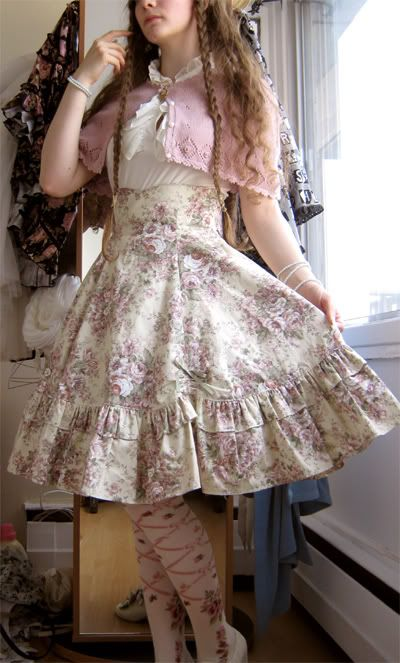 Victorian Maiden skirt, lovely French Canadian Classic Lolita's blog.