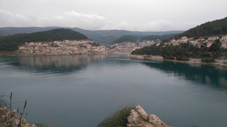 This morning: a view of the town of Pučišća on the island of Brač in Croatia. Pučišća is famous for the numerous quarries in the vicinity and for its school of stonemasons. Brač produces a beautiful white marble and very finely grained limestone. They were used for the Palace of Diocletian at nearby Split, but also for the Reichstag in Berlin and - rumour has it - for the White House in Washington, DC.