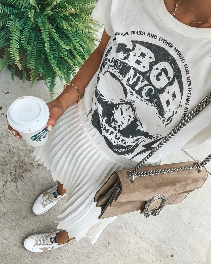 #graphictee #whiteonwhite #summerstyle
