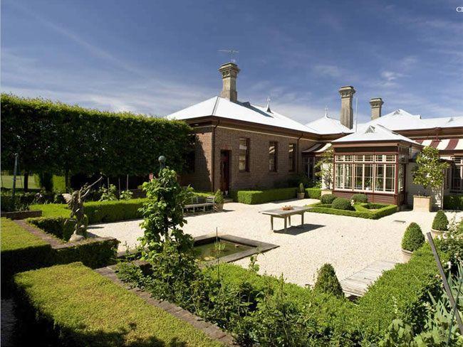 larundel estate, cargerie