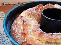 Ciambella Buondì: Farina di grano tenero tipo 00: 400 gr Latte: 1 bicchiere Olio di semi: 1 bicchiere Zucchero: 150 gr Uova: 3 Sale: un pizzico Vanillina: 1 bustina Lievito per dolci: 1 bustina Granella di zucchero: q.b.