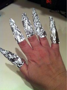 Découvrez pour bien enlever votre vernis semi permanent. Retirer votre vernis correctement demande quelques précautions pour ne pas abimer vos ongles