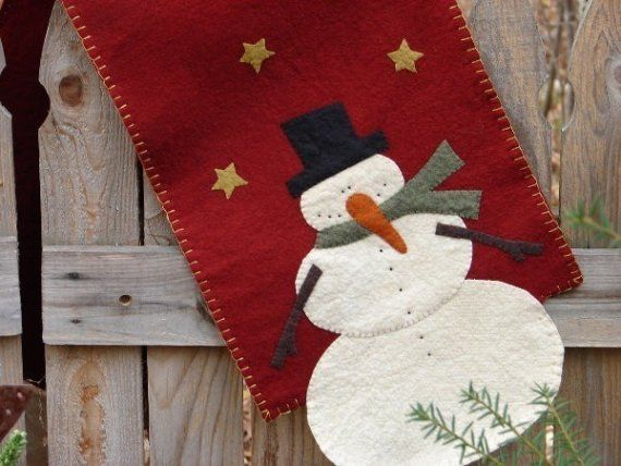 snowman runner: Tablerunners, Snowman Tables, Coffee Tables, Pennies Rugs, Christmas Tables Runners, Christmas Decorations, Shades Of Red, Christmas Table Runners Jpg, Christmas Runner