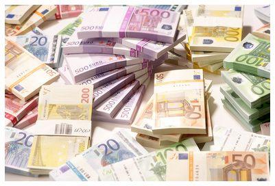 Ich habe viele Jahre mit einem Lotto System gespielt.Leider war ich in dieser Zeit nur wenig erfolgreich.Der höchste Gewinn, den ich einmal durch Lotto spielen im Lotto gewinnen'http://lottogewinnen.net' konnte, betrug 4000 Euro. Viele werden sich jetzt sicherlich fragen: Ja ist doch immerhin besser als nichts, warum beschwert er sich?
