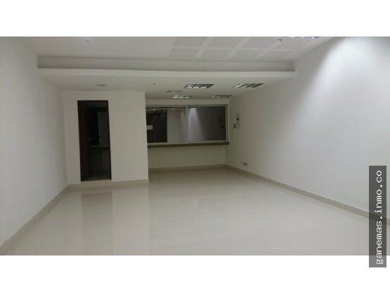 VENTA COMODO LOCAL TERCER PISO UNICENTRO CALI  Ubicado edificio panamericana con un area privada de 50.72 m2 y con  Area comun de uso exclusivo(mueble) de 2.40