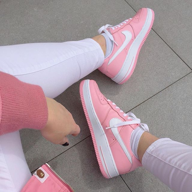 Sneakers femme - Nike Air Force 1 Low Pink (2005) viewmore