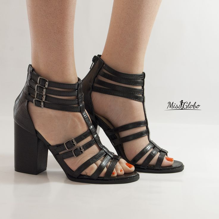 #missglobo woman shoes