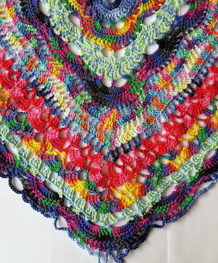 Hallo allemaal, In deze blog geef ik uitleg hoe ik de Samba Rose sjaal heb gehaakt. Zelf ben ik helemaal weg van de Catania Color. Dit garen is zo kleurrijk en met de meest vreemde kleurcombi's lijken het stuk voor stuk wel toverballetjes. Deze sjaal maken ,of zijn broertje de Carnival Rose, is iedere …