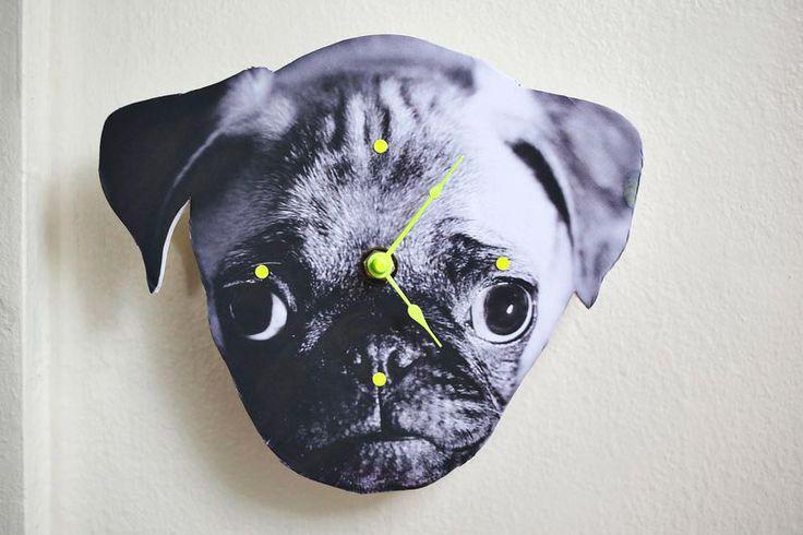 Um incrível e útil relógio de bichinho. Veja como fazer: http://www.casadevalentina.com.br/blog/materia/inspira-o-diy--rel-gio-de-bichinho.html #decor #pet #animal #diy #relogio #cachorro #gato #decoracao #casadevalentina