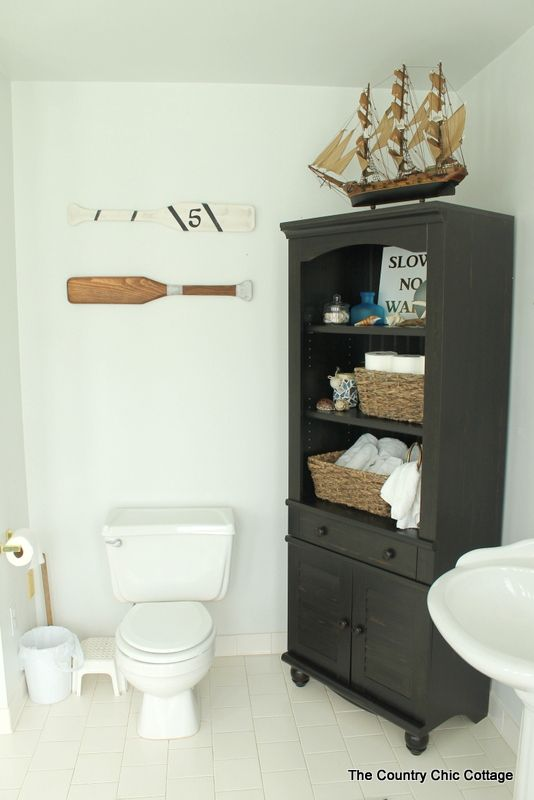 The Country Chic Cottage | Nautical Themed Bathroom Design.