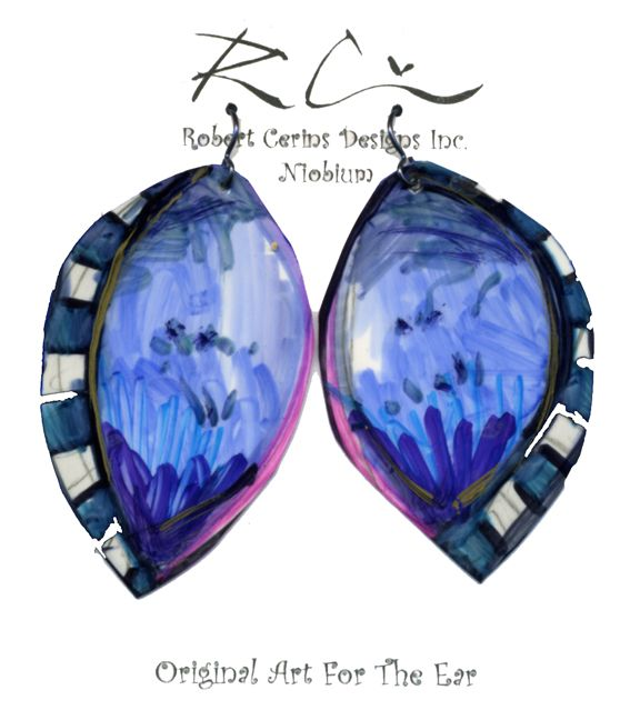 This is a dreamy blue pair of earrings to get lost in.  <3