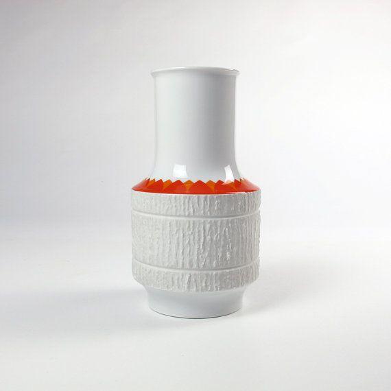 Op Art White Vase Richard Scharrer. White por ArqueologiaDomestica