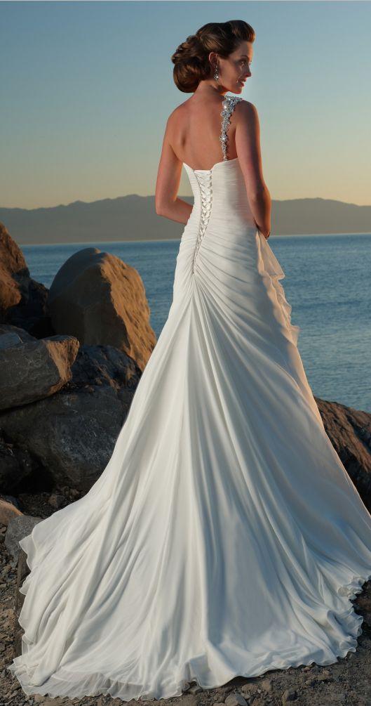 mermaid beach wedding dresses love the low back style