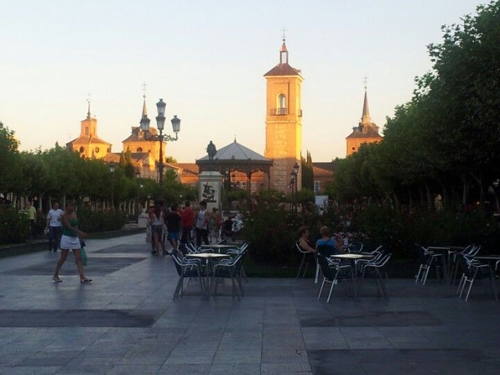 Rose Gardens, Great Shopping, Amazing authentic food, McDonalds, bars, ice cream, hang out with the locals, live entertainment, historic places (crypt of saint Diego, House of Miguel Cervantes, La Catedral de Los Santos Ninos, Museum of history of Alcala/Madrid)