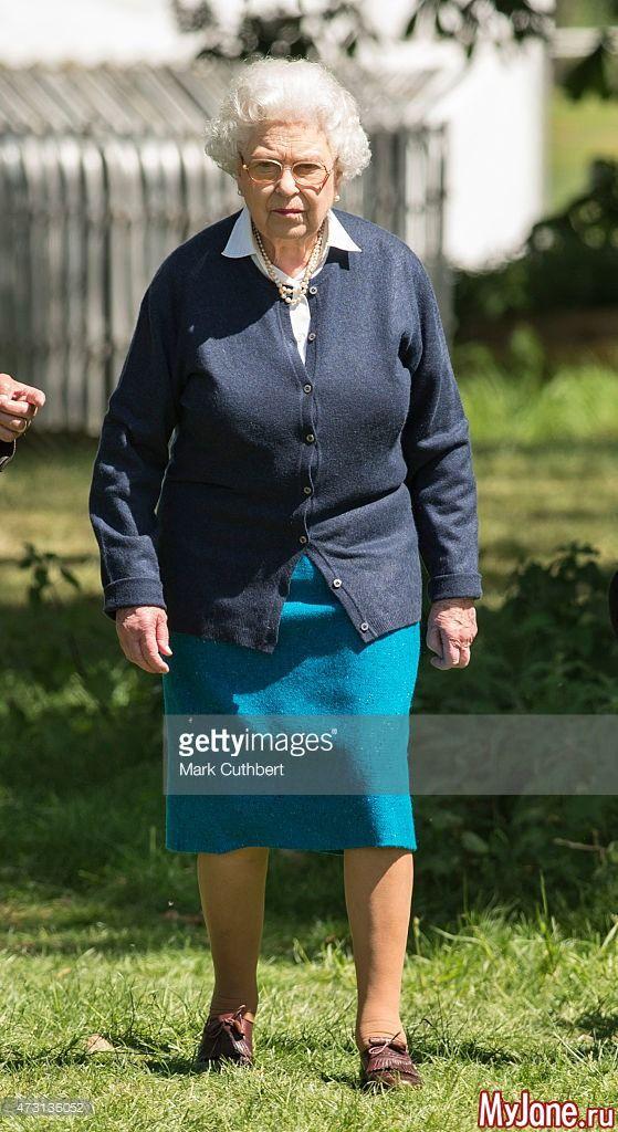 Королева Елизавета II и герцогиня Камилла посетили Виндзорское конное шоу 13 мая 2015 года: Группа В некотором царстве-государстве...