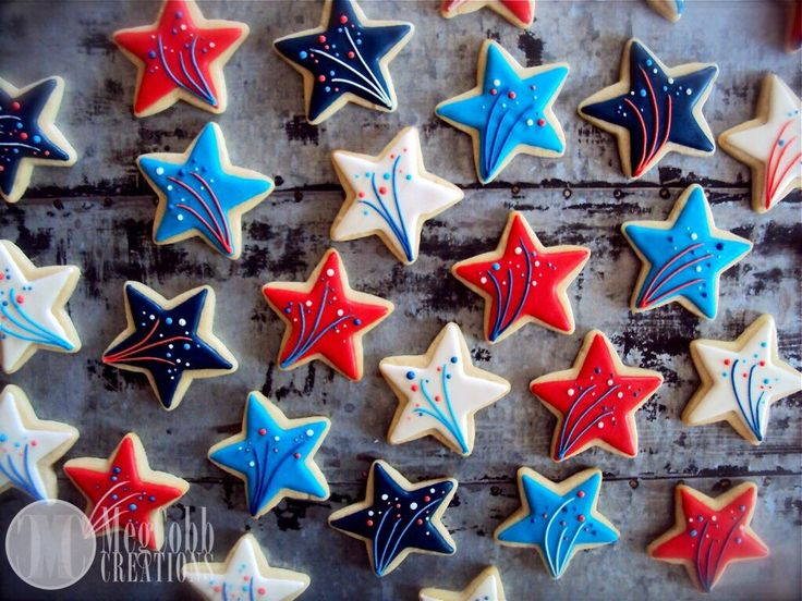 12 Star Sugar Cookies, Red, White, and Blue, Shooting Star, 4th of July, America, Patriotic, USA, stars, Uncle Sam, fireworks, cookies, star by MegCobbCreations on Etsy https://www.etsy.com/listing/237633684/12-star-sugar-cookies-red-white-and-blue