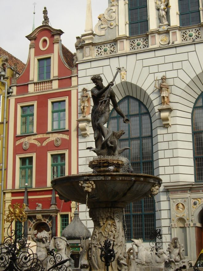 Gdansk old town, Gdansk, Poland #travel #photos #statues