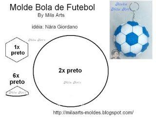 By Vânia Andrade: Chaveiro bola de futebol