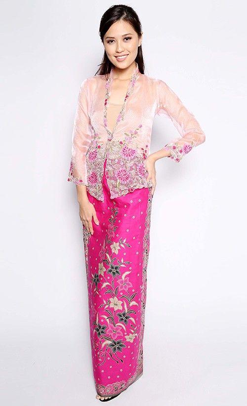 Leila Kebaya Nyonya in Pink | FashionValet