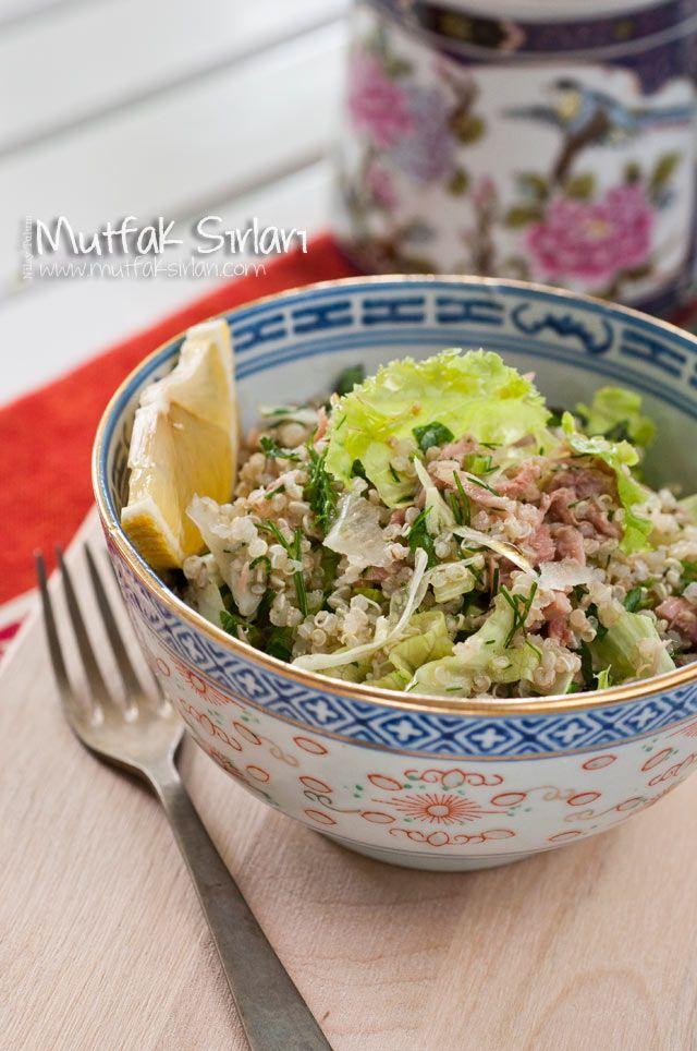 Ton Balıklı Kinoa Salatası nasıl yapılır ?  Tarifin püf noktaları, binlerce yemek tarifi ve daha fazlası...