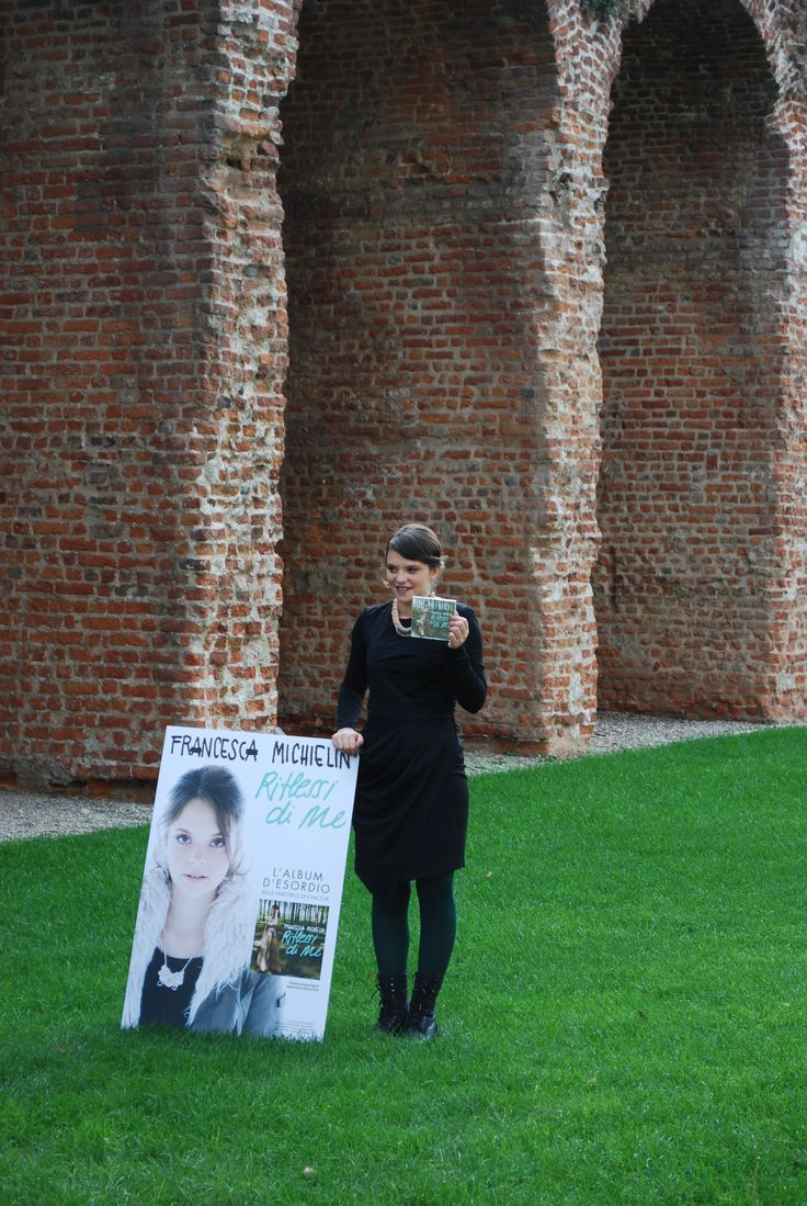 Francesca Michielin launching her first album wearing Malloni